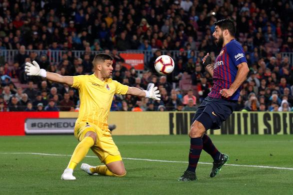 Messi bị chặn đứng, Barca vẫn tiến sát ngai vàng - Ảnh 3.