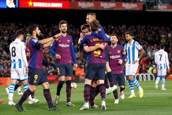 Messi bị chặn đứng, Barca vẫn tiến sát ngai vàng - Ảnh 4.
