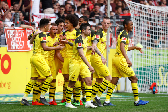 Thần đồng nước Anh Sancho giúp Dortmund đuổi sát Hùm xám - Ảnh 2.