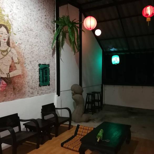 Quán cà phê Đèn lồng xanh - bảo tàng tình dục của Thái Lan - Ảnh 5.