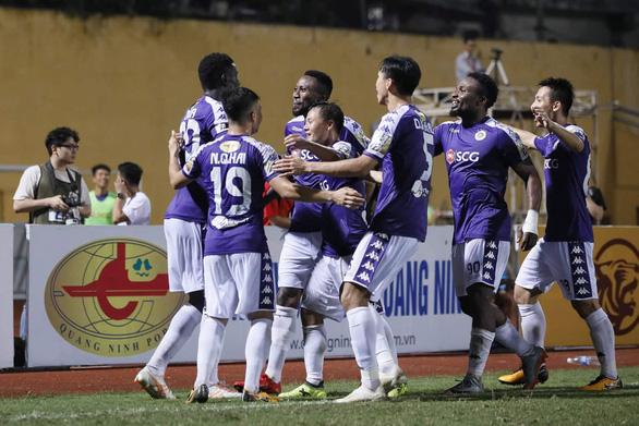 Sân Hàng Đẫy: Chiến thắng vất vả với Hà Nội - Ảnh 1.