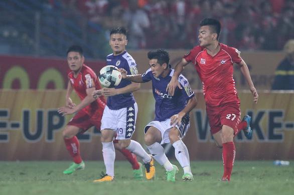 Sân Hàng Đẫy: Chiến thắng vất vả với Hà Nội - Ảnh 3.