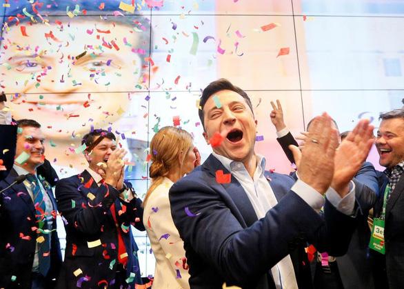 Nga, Mỹ nói gì khi diễn viên hài Zelenskiy đắc cử tổng thống Ukraine? - Ảnh 1.