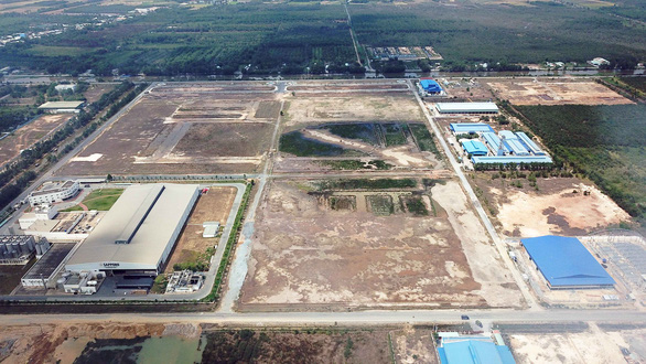 Phù phép đất công nghiệp thành... khu dân cư: Đất chuyên gia bị đem bán - Ảnh 3.