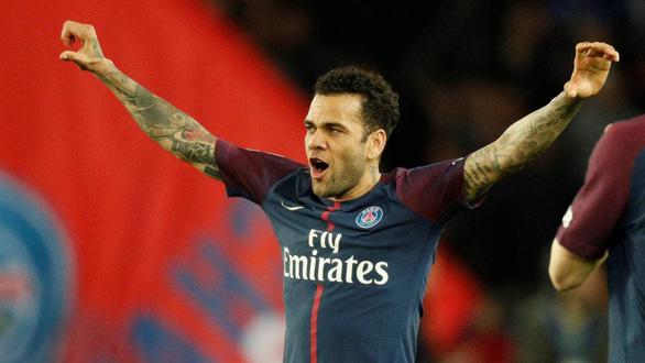 Ngôi sao PSG trở thành cầu thủ thành công nhất trong lịch sử bóng đá thế giới - Ảnh 1.