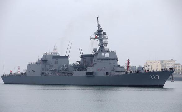 Vì sao Trung Quốc nhượng bộ cho tàu chiến Nhật treo cờ hiệu? - Ảnh 1.