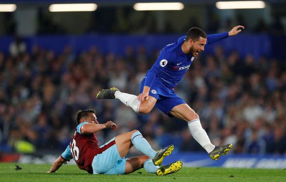 Bị Burnley cầm chân, Chelsea vẫn vượt mặt Arsenal - Ảnh 3.