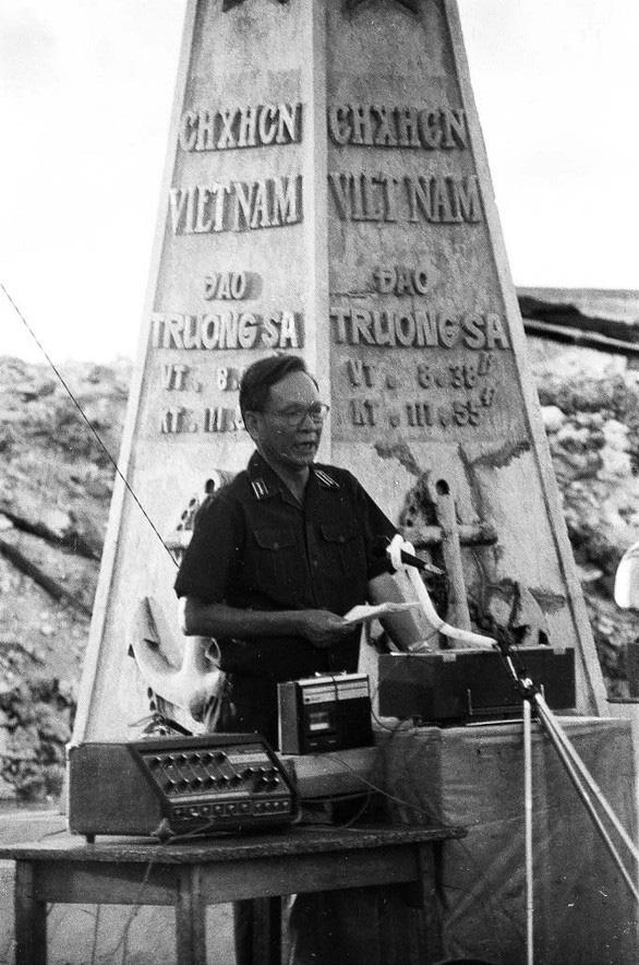 Đại tướng Lê Đức Anh: Bộ trưởng Bộ Quốc phòng đầu tiên ra Trường Sa - Ảnh 4.