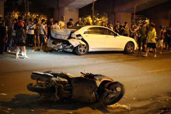 Khởi tố vụ xe 7 chỗ tông liên hoàn làm 1 nữ công nhân vệ sinh tử vong - Ảnh 1.