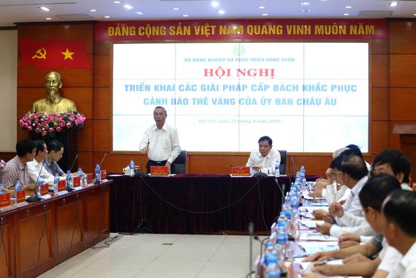 Tàu cá Việt Nam giả cả biển số tàu Malaysia đánh bắt cá trái phép - Ảnh 1.