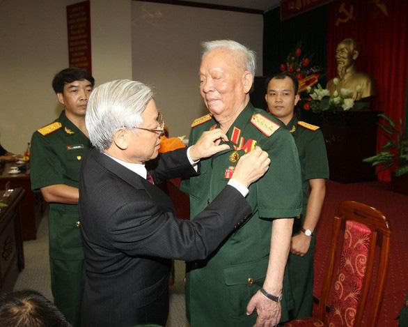 Đại tướng Lê Đức Anh: Bộ trưởng Bộ Quốc phòng đầu tiên ra Trường Sa - Ảnh 5.