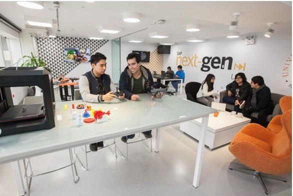 Trường đại học sở hữu phòng lab SAP Next-Gen tại miền Bắc - Ảnh 2.