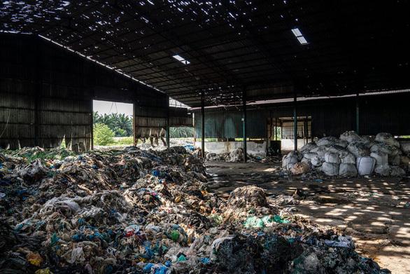 Việt Nam nhập khẩu rác từ Nhật nhiều nhất, nhập cả từ Thái Lan - Ảnh 1.