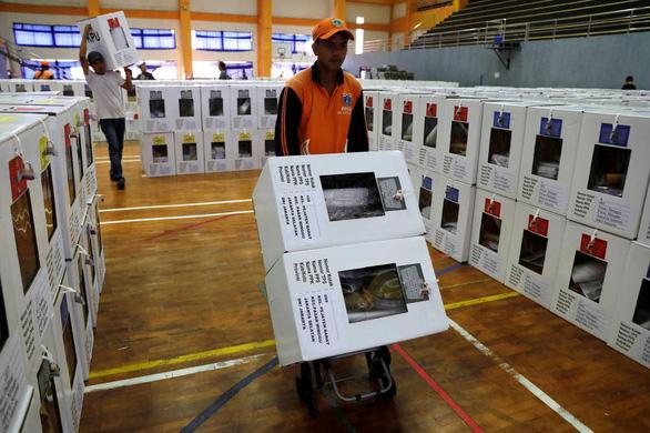 Thực hư vụ 92 người kiệt sức chết do kiểm phiếu bầu ở Indonesia - Ảnh 1.