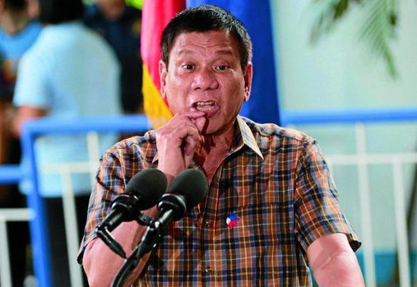 Tổng thống Duterte cảnh cáo Canada: Rác của mấy người đang trở về đó! - Ảnh 1.