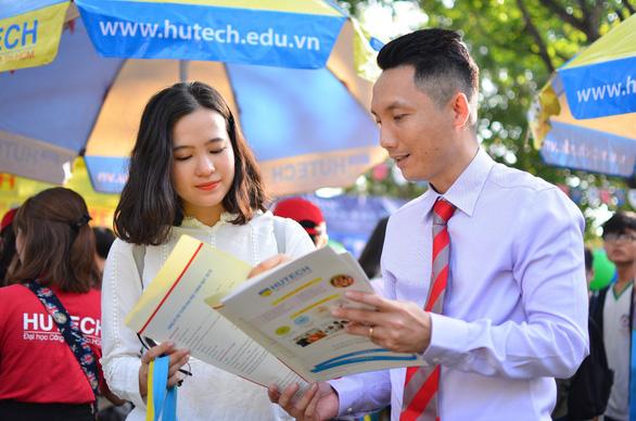 HUTECH nhận đăng ký xét tuyển học bạ từ 2-5 - Ảnh 1.