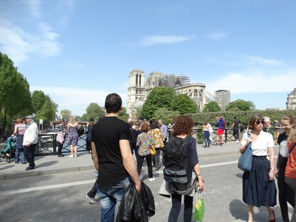 Nguyên nhân cháy nhà thờ Đức Bà Paris: lắp dây điện không chuẩn - Ảnh 3.