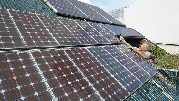 Hơn 8,5 tỉ đồng điện lực sẽ trả cho người dân lắp điện mặt trời - Ảnh 1.