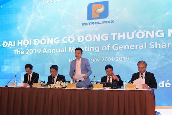 Cựu chủ tịch Petrolimex: Quỹ bình ổn xăng dầu đang bị lạm chi - Ảnh 1.