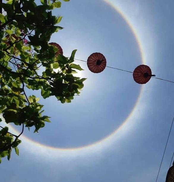 Xuất hiện hào quang mặt trời tại Hội An - Ảnh 2.