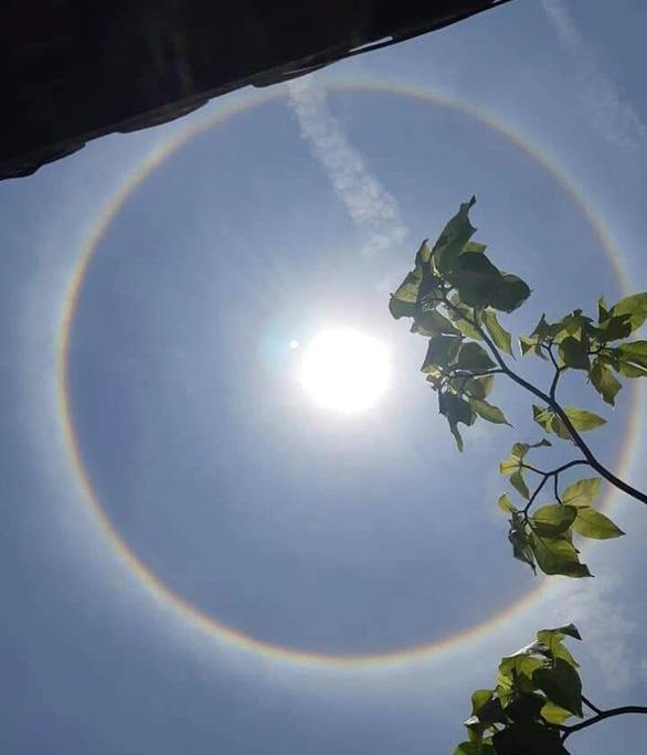 Xuất hiện hào quang mặt trời tại Hội An - Ảnh 3.