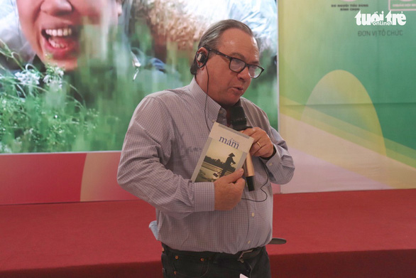 Ông Tây nước mắm xuất hiện tại Hội chợ hàng Việt Nam chất lượng cao - Ảnh 1.