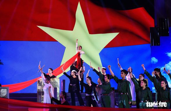 Nhà hát Thành phố âm vang Khát vọng ngời sáng tương lai - Ảnh 9.