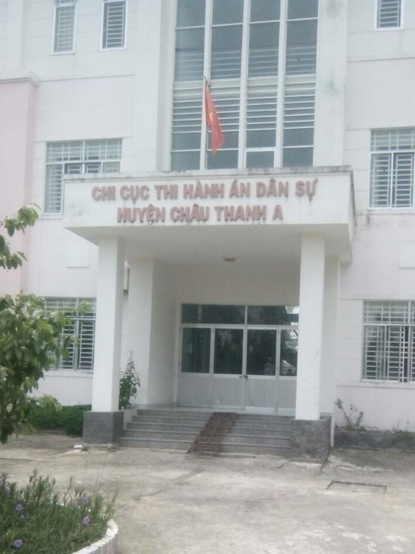 Bắt nguyên chi cục trưởng Chi cục thi hành án huyện Châu Thành A - Ảnh 1.