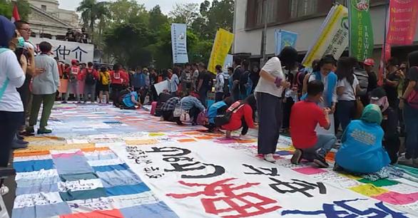 Bị bóc lột quá mức, lao động Việt viết tâm thư gửi chính quyền Đài Loan - Ảnh 3.
