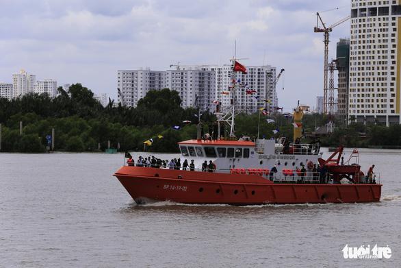 Bàn giao 2 tàu tuần tra, 10 canô cao tốc cho Bộ đội biên phòng TP.HCM - Ảnh 2.