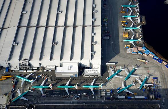 Boeing bị tố cắt bớt đèn cảnh báo vì muốn... bán lấy tiền - Ảnh 2.