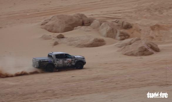 33 xe địa hình so tài trên hoang mạc Mũi Dinh - Ảnh 1.