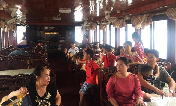Cả trăm du khách tố ăn quả lừa khi mua tour thăm đảo Khỉ - Ảnh 2.