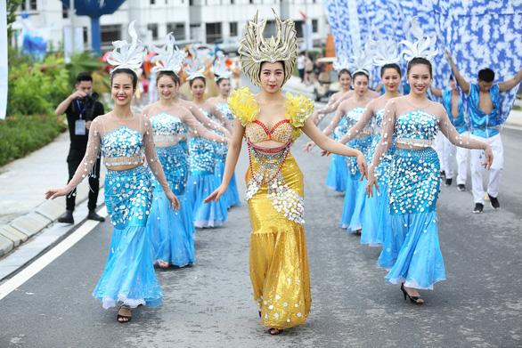 Vũ điệu đường phố nóng bỏng khuấy động Carnaval Hạ Long 2019 - Ảnh 5.