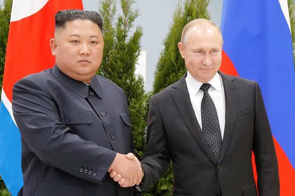 Bàn đàm phán hạt nhân Triều Tiên lại đông vui - Ảnh 1.