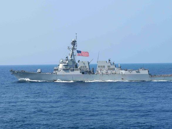 Mỹ thách thức Trung Quốc, điều hai chiến hạm hải quân qua eo biển Đài Loan - Ảnh 1.