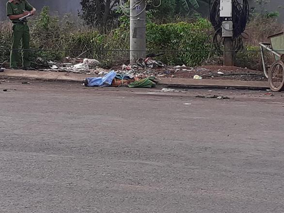 Tạm giữ phụ nữ liên quan thi thể phát hiện trong bãi rác - Ảnh 1.