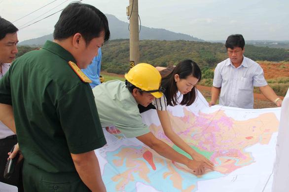 Đề nghị Bộ Công thương hỗ trợ Bình Phước phát triển điện mặt trời - Ảnh 2.