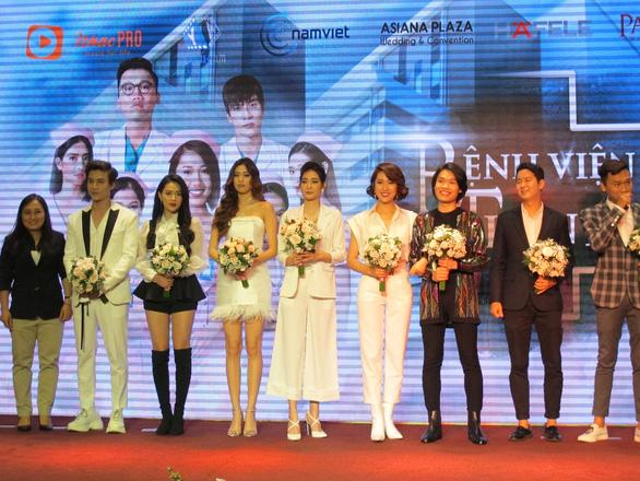 Gương mặt Hàn tham gia phim Việt vì yêu quý ông Park Hang Seo - Ảnh 1.