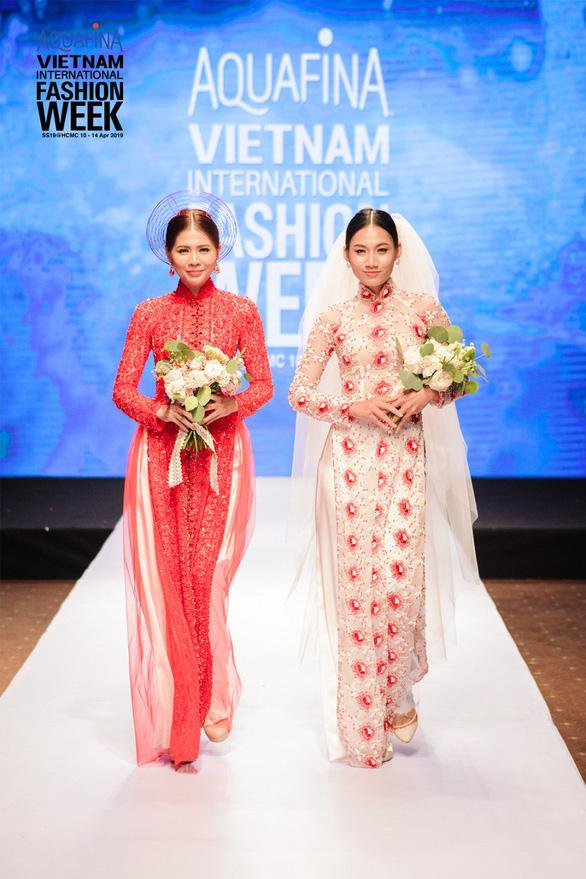 Nhà thiết kế nổi danh Hàn Quốc đến Tuần lễ Thời trang Quốc tế Việt Nam - Ảnh 2.