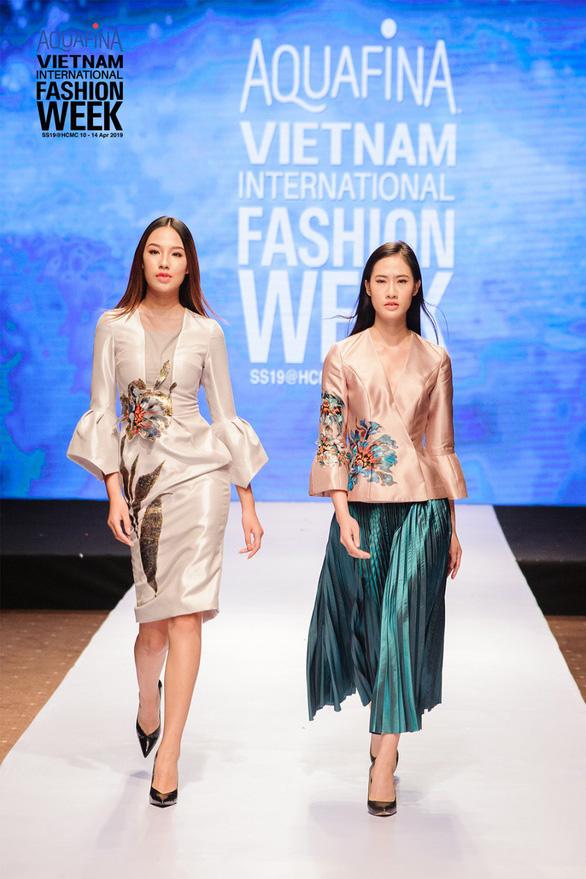 Nhà thiết kế nổi danh Hàn Quốc đến Tuần lễ Thời trang Quốc tế Việt Nam - Ảnh 3.