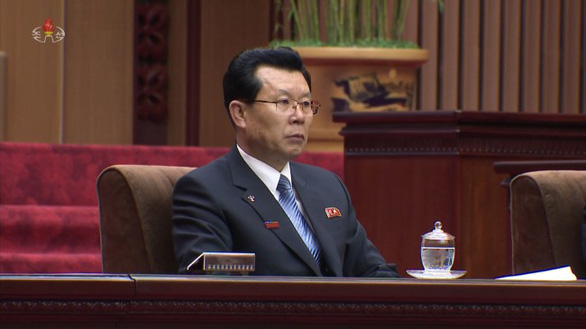 Tân thủ tướng Triều Tiên lần đầu lộ diện trước công chúng - Ảnh 1.