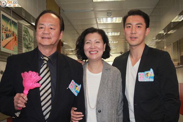 Bao Thanh Thiên trẻ thích thú với nón lá Việt Nam - Ảnh 4.