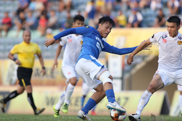 Vòng 4 V-League 2019: Mạc Hồng Quân ghi bàn giúp Quảng Ninh đá bại Quảng Nam - Ảnh 1.