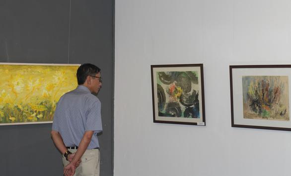 Xuân đáo bách hoa khai trên tranh của 10 họa sĩ Hà Nội - Ảnh 5.