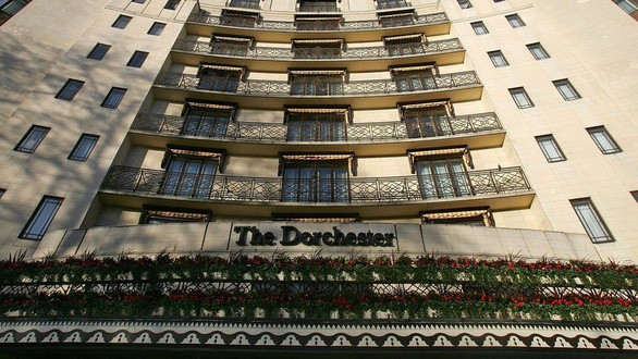 Ném đá người ngoại tình, quan hệ đồng tính, hàng loạt khách sạn của Brunei bị ném đá - Ảnh 3.