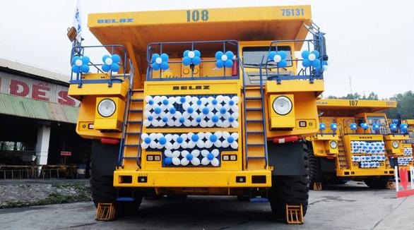 Thử nghiệm 4 xe siêu vận tải 1,6 triệu USD/xe khủng nhất Việt Nam - Ảnh 1.