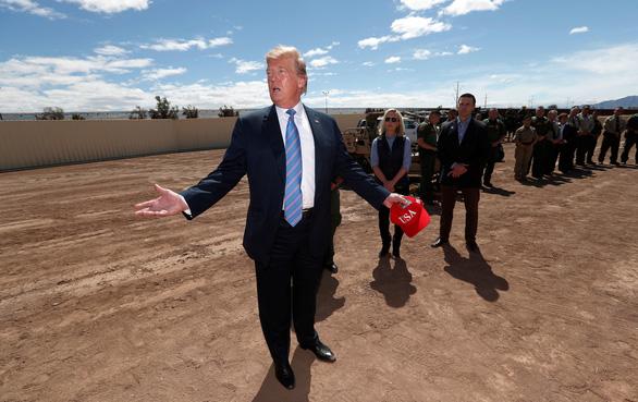 Hạ viện Mỹ kiện chính quyền ông Trump vụ bức tường biên giới - Ảnh 2.