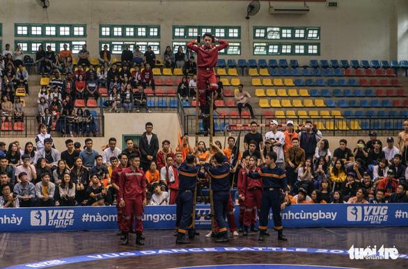 Sôi động nhảy đối kháng tại chung kết Giải thể thao sinh viên Việt Nam - Ảnh 3.