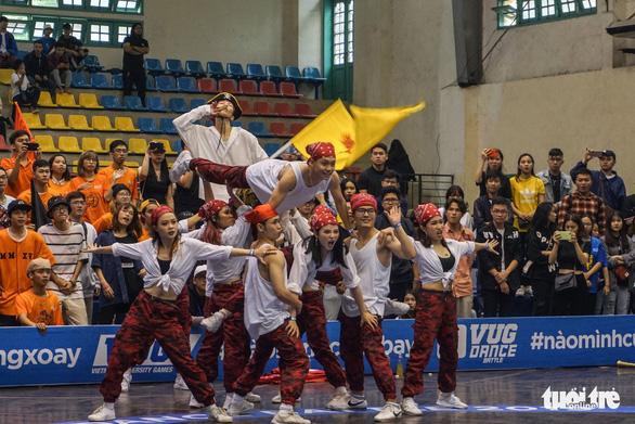 Sôi động nhảy đối kháng tại chung kết Giải thể thao sinh viên Việt Nam - Ảnh 2.